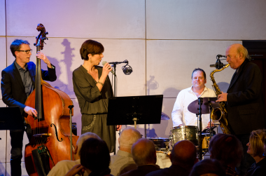 2015-03-04 Carin Lundin & Nisse Sandström med Kjell Fernströms Trio - DSC_0027